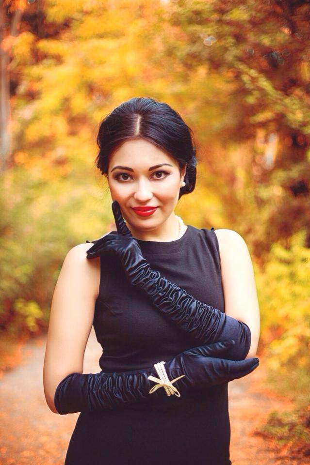 Lola Ahmedova - Yonimda bolsang qoshiq matni, текст